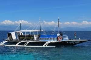 Dive Resort Moalboal Dive Boat