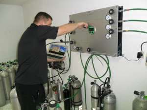 Nitrox and Trimix Gas blender